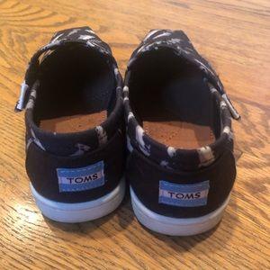 Toms Shoes - Toms kids shoes rare Shark print